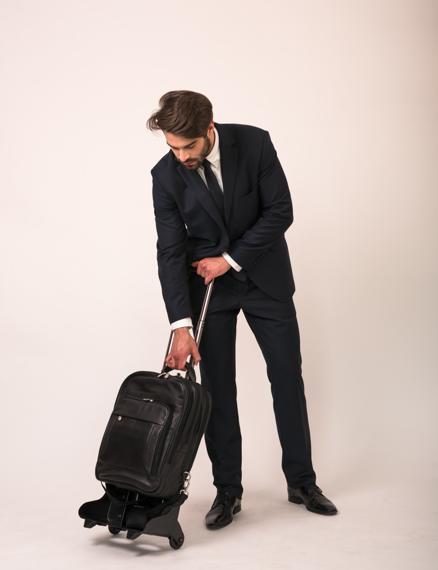 """Skórzany, czarny plecak 3w1 z odpinanymi ramionami Wicker Park 15,6"""" oraz 17"""""""